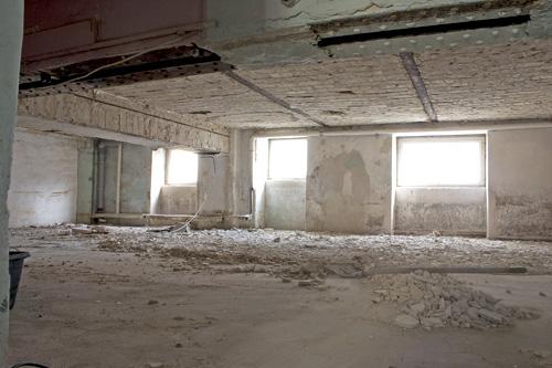 kellerboden sanieren aufbau kellerboden bau net forum keller 12968 im keller wasser trotz. Black Bedroom Furniture Sets. Home Design Ideas